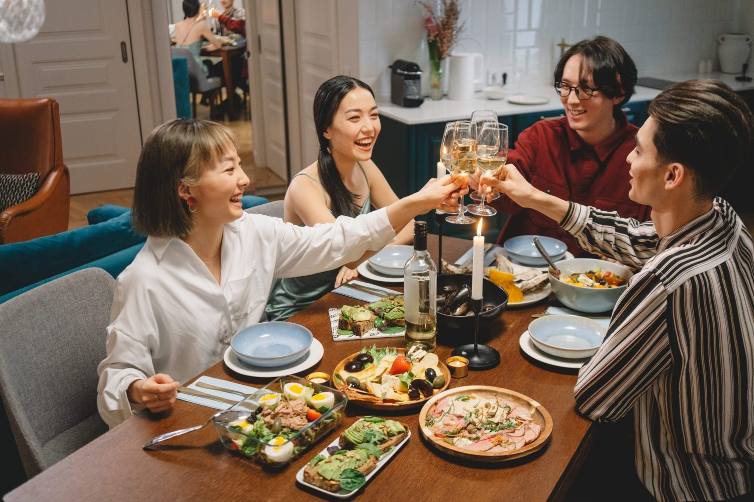 Image of friends eating together